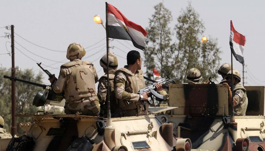 7 قتلى بينهم ضابطان بتفجير في سيناء