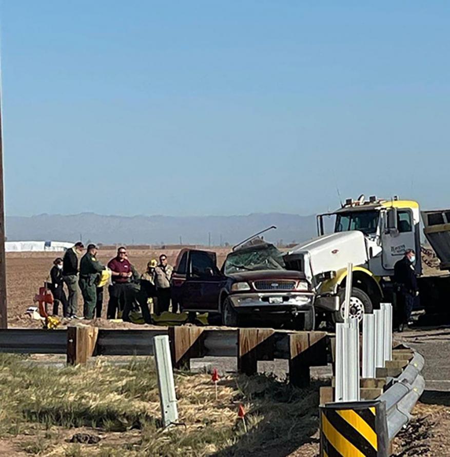 الولايات المتحدة.. مصرع 15 إثر حادث مروري في كاليفورنيا