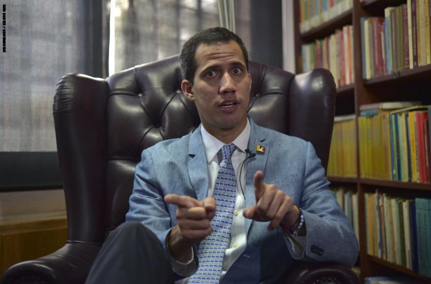 """زعيم المعارضة الفنزويلية يتهم قوات تابعة للجيش بـ""""التحرش"""" بجدة زوجته"""