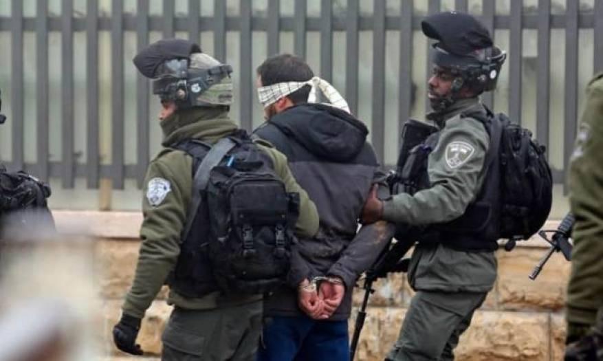 الاحتلال يعتقل 30 مواطنًا أغلبهم من بلدتي المغير وكفر مالك شرق رام الله