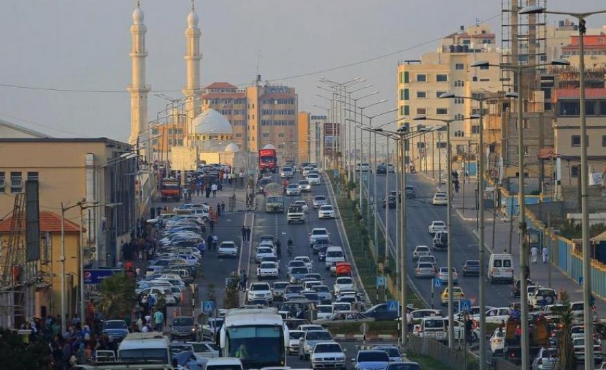 """""""سنكون سندا للمواطن"""".. المواصلات بغزة توضح التسهيلات الجديدة للسائقين"""