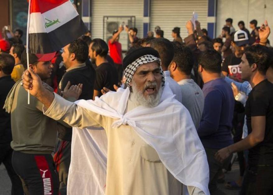 استجابة لمطالب المحتجين.. انتخابات مبكرة في العراق