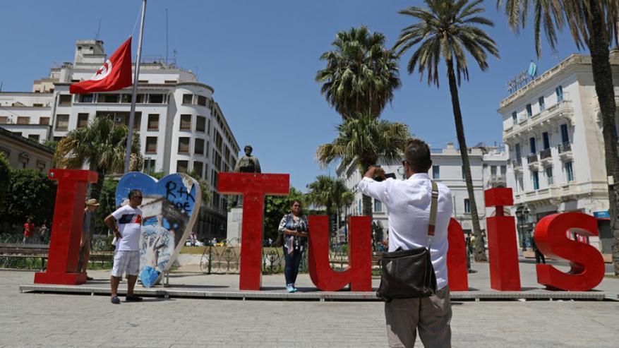 فرض حظر تجول شامل في تونس بدء من يوم غد الثلاثاء للحد من انتشار كورونا