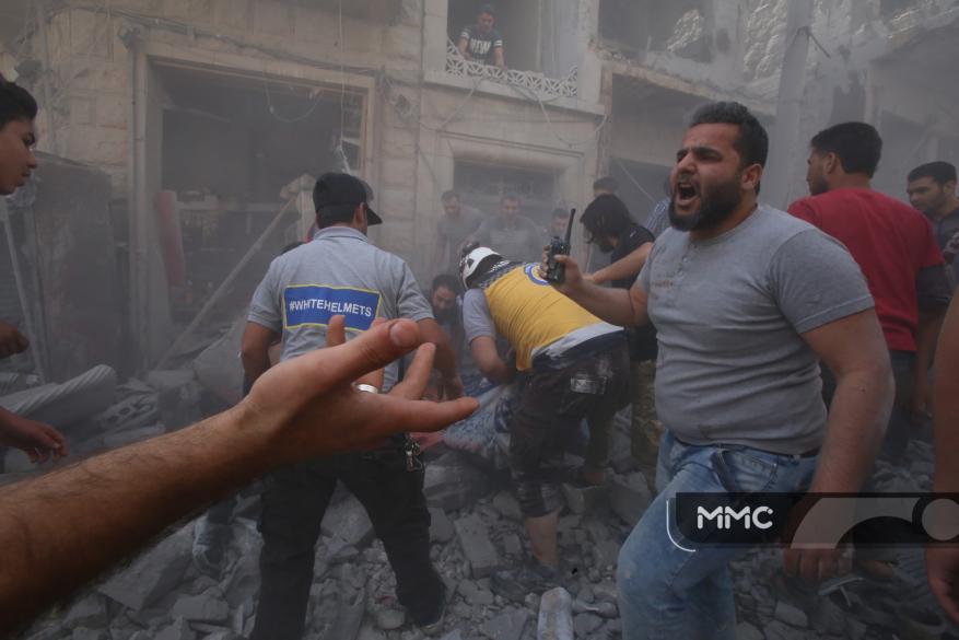 ضحايا جراء استهداف النظام سوقًا بريف إدلب