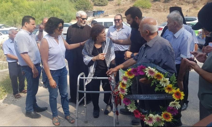 بعد سبعين عامًا من المنع.. سلوى سالم تزور قبر والدها