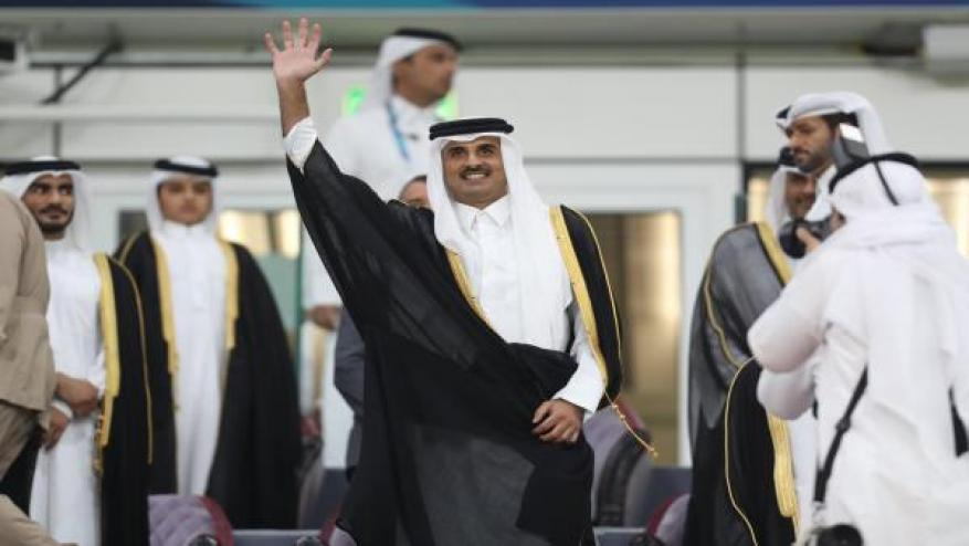 """أمير قطر يتوج الفائز بنهائي """"خليجي 24"""" بين السعودية والبحرين"""
