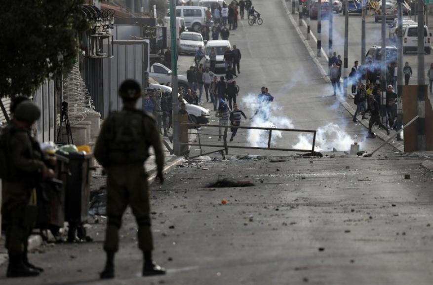 شرطة الاحتلال تواصل حملتها وتكثف اعتداءاتها بحق سكان العيساوية