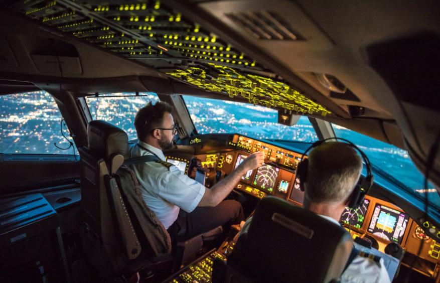 جرائم في الجو.. فصل أكثر من 200 طيار باكستاني لنقلهم الركاب برخص قيادة مزورة !