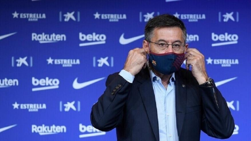 بعد اجتماع طارئ.. رئيس نادي برشلونة يعلن موقفه من الاستقالة