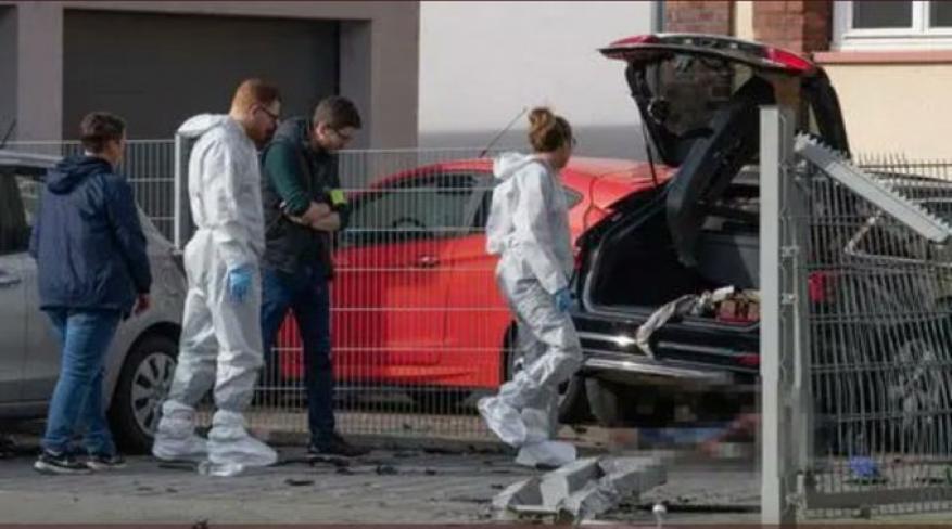 جريمة مروعة تهز ألمانيا.. قتل زوجته دهسًا وكسّر رأسها في الشارع!