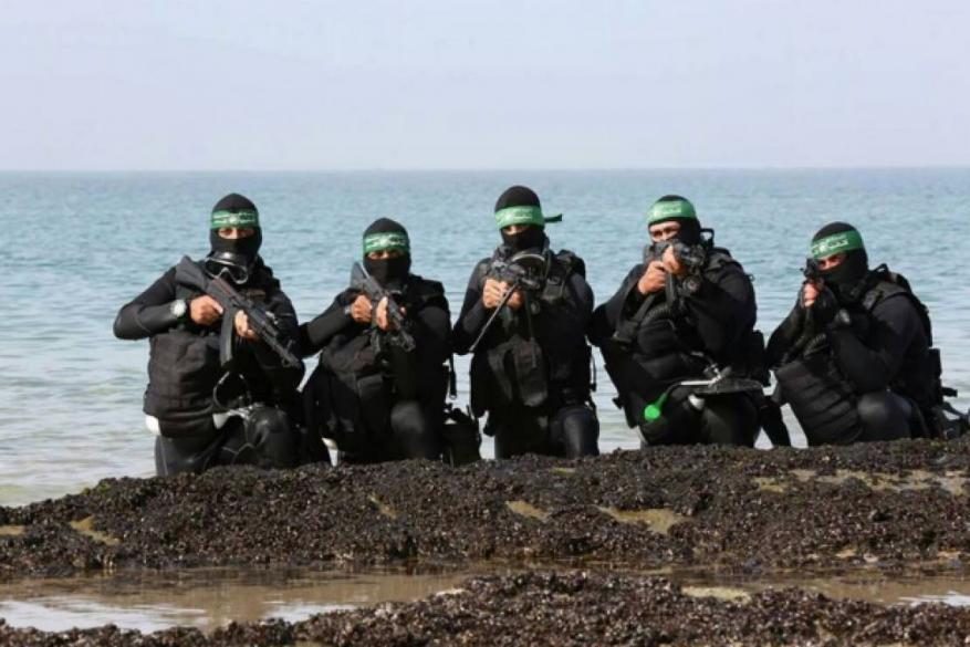 معاريف: حـمــاس تعزز قدراتها العسكرية في الكوماندوز البحري أكثر من البري