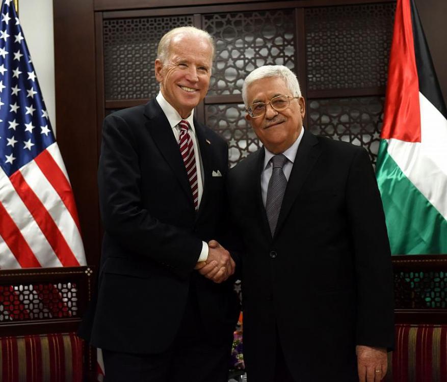 أبو ردينة: القيادة تنتظر موقف إدارة بادين من الصراع العربي الإسرائيلي