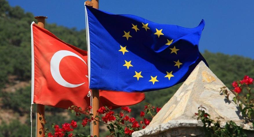 الاتحاد الأوروبي يدين عملية تركيا شمال سوريا ويقر عقوبات ضدها