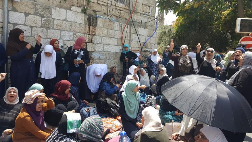 الاحتلال يستدعي مرابطات على خلفية أحداث باب السلسلة عام 2019