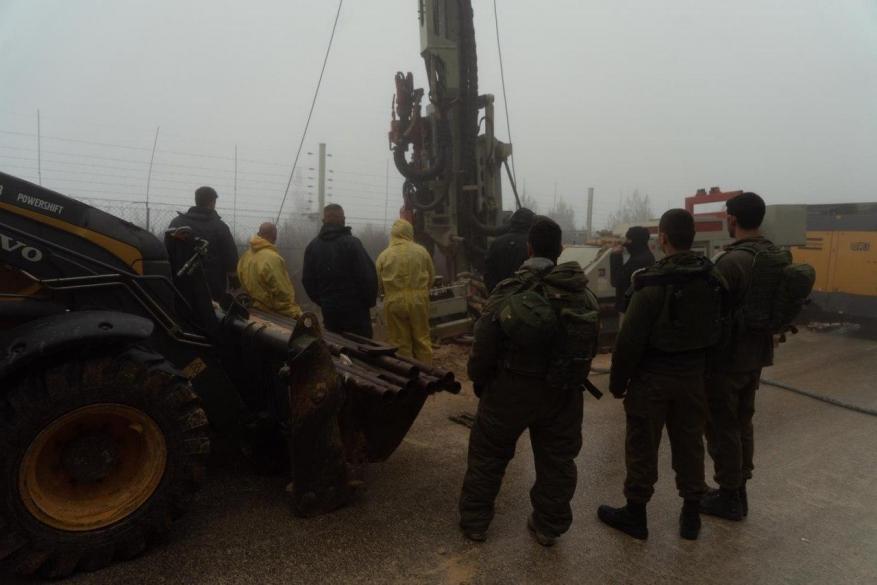 صور نصب منظومة تكنولوجية إسرائيلية لكشف أنفاق حزب الله