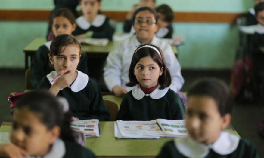 التعليم بغزة تدعو لتجنيب التعليم المناكفات السياسية