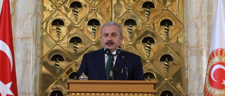 """رداً على """"قرقاش"""".. رئيس برلمان تركيا يهاجم الإمارات بضراوة"""