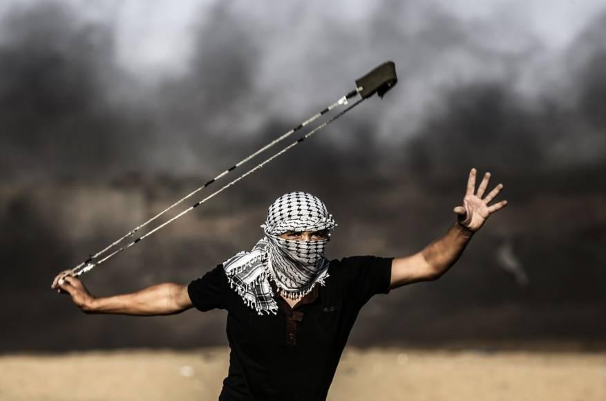 """""""مستمرون"""" .. جمعة جديدة من مسيرات العودة في غزة"""