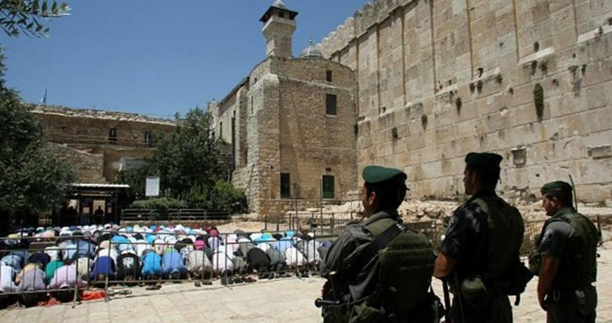 """الاحتلال يمنع رفع الأذان في الحرم الإبراهيمي بحجة احتفال المستوطنين بـ""""عيد المساخر"""""""