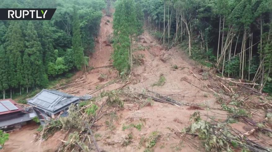 لقطات جوية لانهيارات أرضية في اليابان