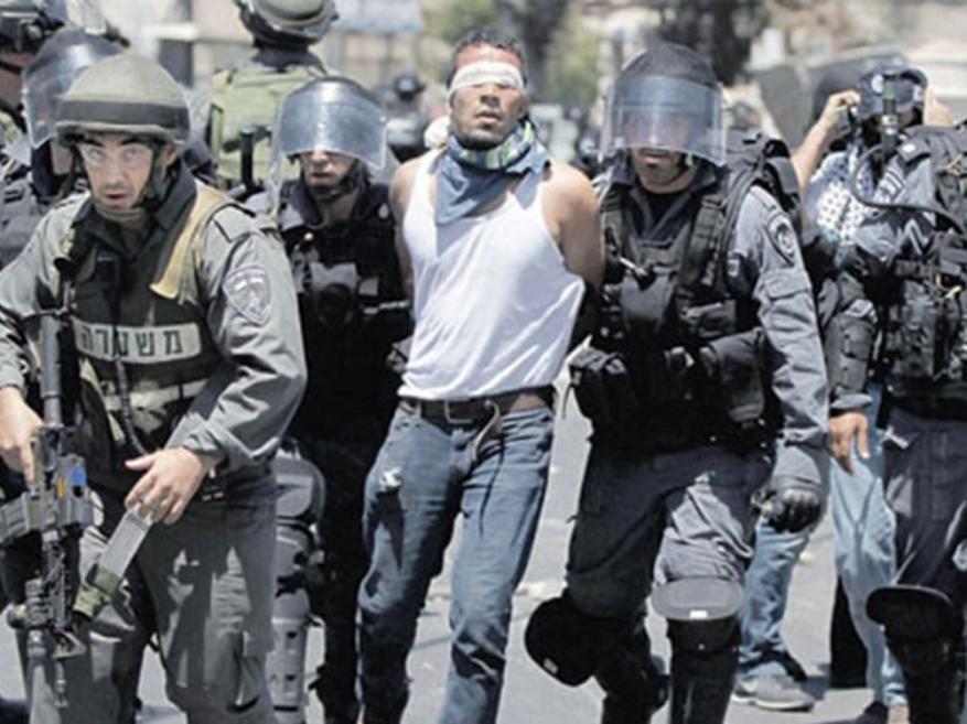 Israel arrests 500 Palestinians over Facebook posts