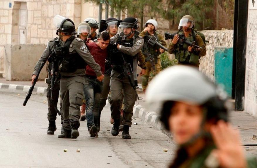 الاحتلال يعتقل 24 مواطنا من الضفة بينهم قيادات بحـمــاس