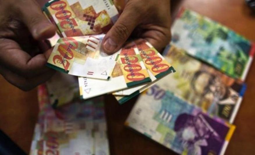 المالية بغزة تكشف آلية توزيع زكاة الفطر من مستحقات الموظفين