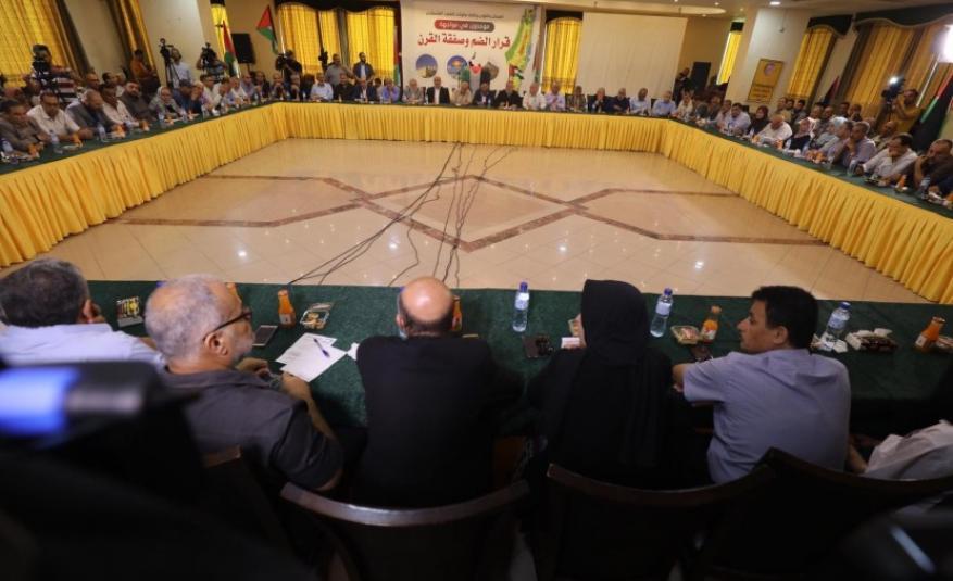 حماس والفصائل تؤكد موقفها الموحد برفض التنسيق الأمني وتدعو لتشكيل جبهة موحدة لمواجهة التطبيع