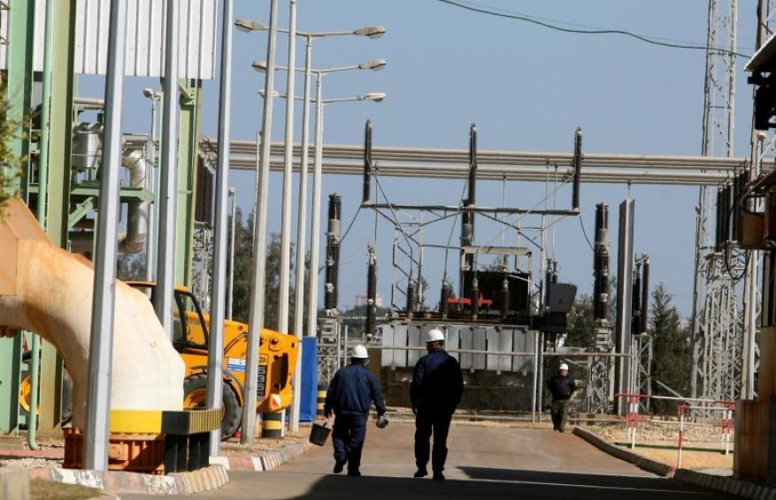 بعد توقف لأيام.. إعادة تشغيل المولد الثالث في محطة توليد كهرباء غزة