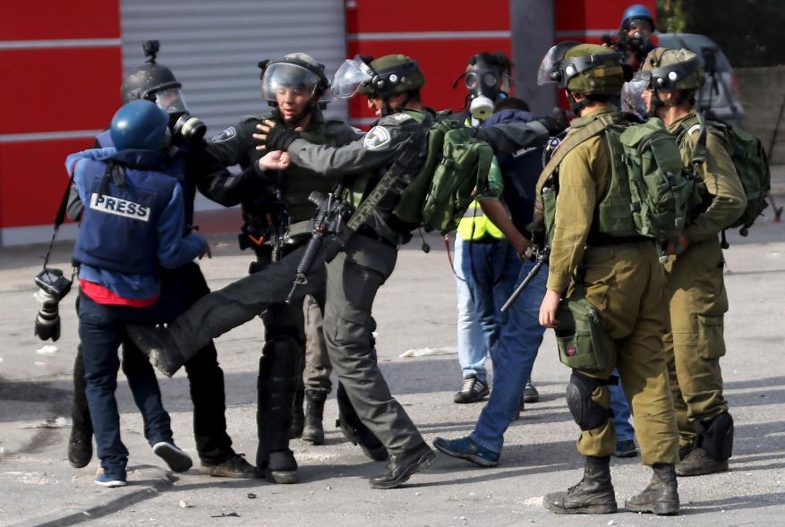679 انتهاكاً إسرائيلياً بحق الصحفيين خلال عام 2018