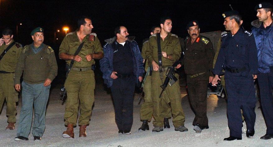 """العمل ضد حماس.. تقرير استخباري: الهدوء في الضفة """"خداع"""" وهو نتاج للتنسيق الأمني"""