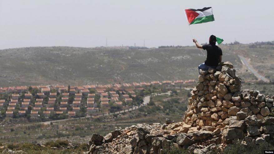 حماس تدعو لإطلاق مبادرة وطنية لمواجهة الاستيطان بالضفة