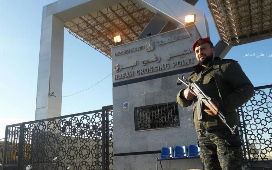 """حركة المبادرة الوطنية لـ """"شهاب"""": انسحاب السلطة من معابر غزة تُعمق الانقسام وتدفع نحو انفصال غزة"""