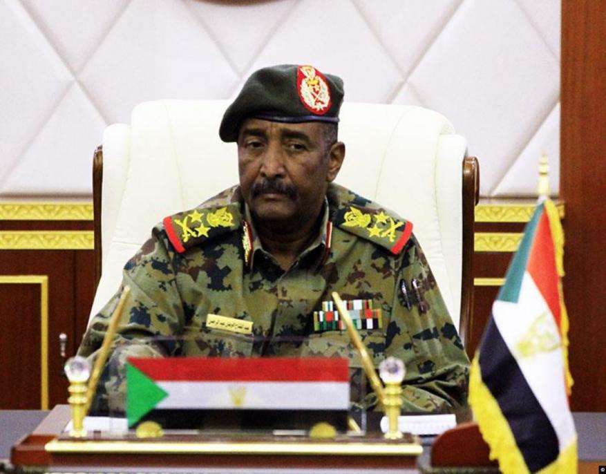 """رئيس """"العسكري السوداني"""" يتوجه للإمارات في زيارة رسمية"""