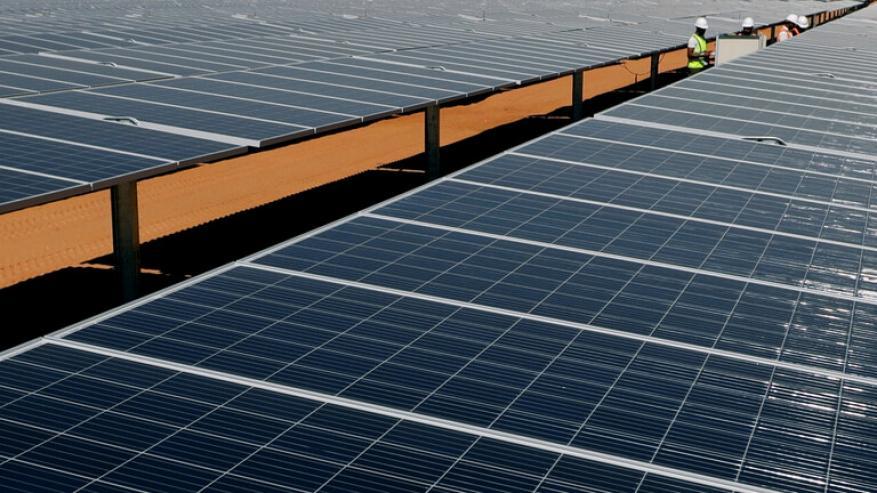 مزرعة شمسية عملاقة في مصر يمكن رؤيتها من الفضاء