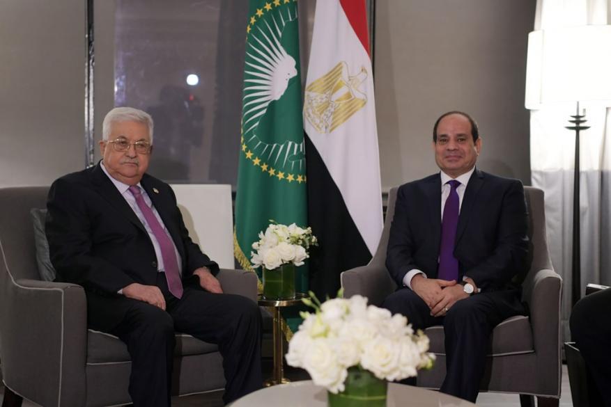 عباس يلتقي السيسي في نيويورك ويبحث معه مستجدات المنطقة