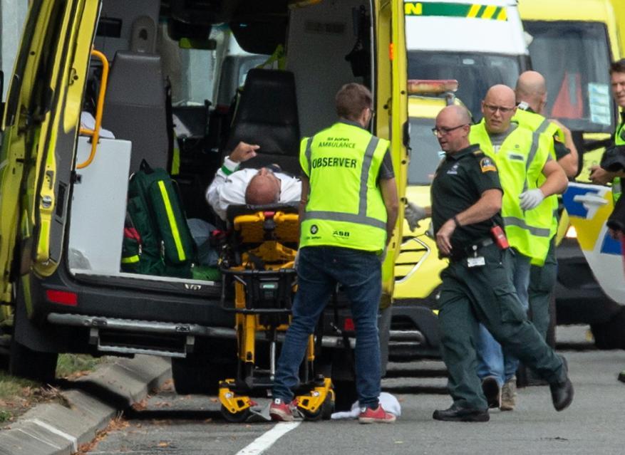 مذبحة دموية.. هجوم على مسجدين أثناء صلاة الجمعة في نيوزيلندا (شاهد)