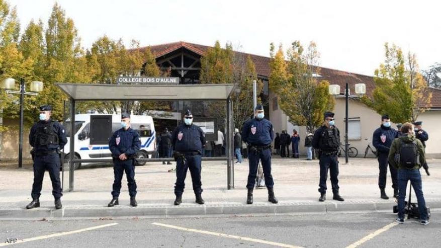 اتهام 4 تلاميذ إضافيين بقضية مقتل أستاذ التاريخ في فرنسا