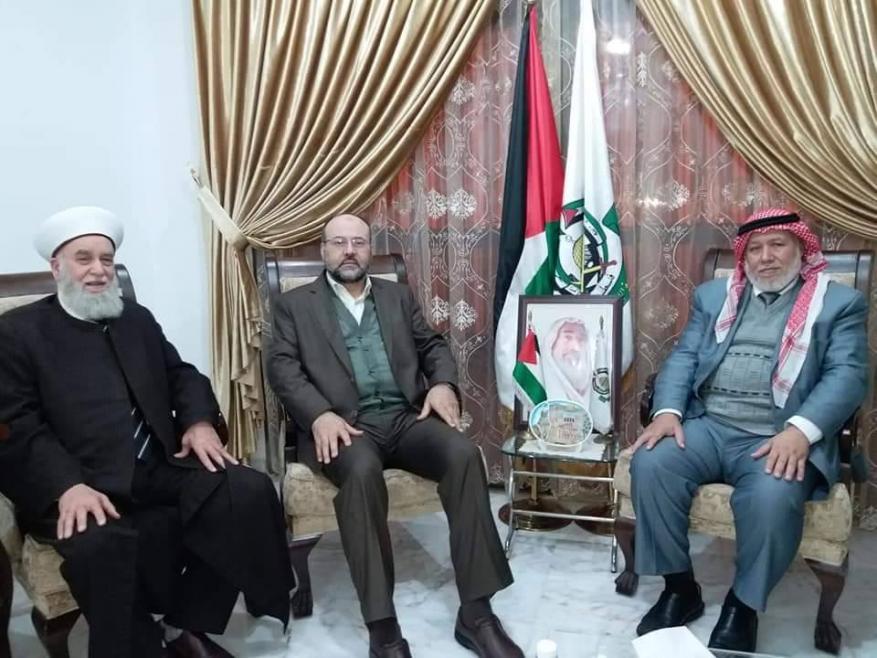 """""""علماء فلسطين"""" تزور القيادي بركة ببيروت"""