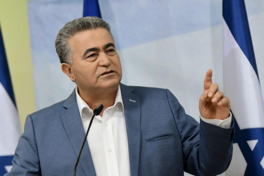 عمير بيرتس ينوي الترشح لرئاسة الكيان الإسرائيلي
