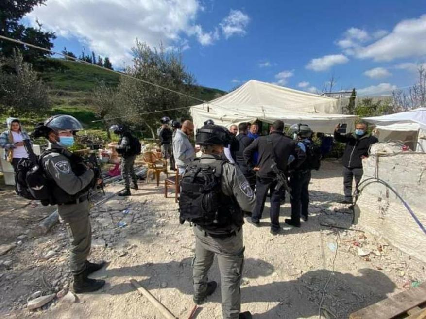 الاحتلال يهدم خيمة مأوى عائلة عليان بالعيسوية