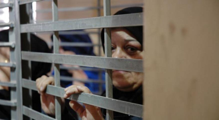 """الأسيرات في سجن """"الدامون"""" يهددن بالإضراب عن الطعام مطلع الشهر المقبل"""