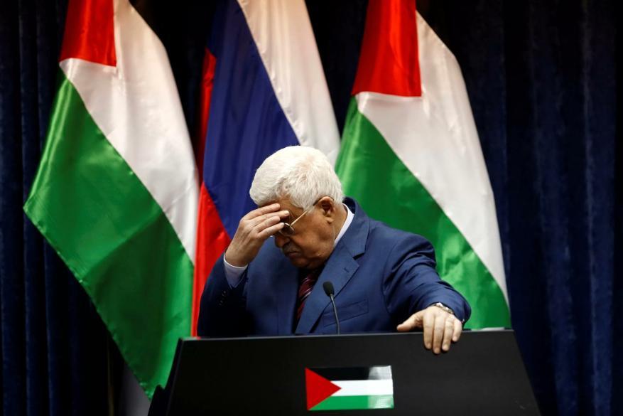 """قلق إسرائيلي من """"اهتزاز"""" كرسي عباس وتنامي خصوماته في فتح"""