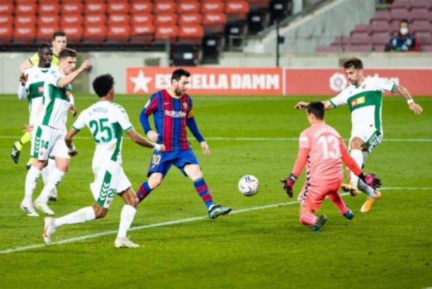 برشلونة يهزم  إلتشي بثلاثية نظيفة