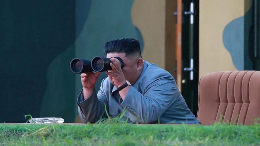 """بيونغ يانغ: كيم أشرف شخصيا على اختبار """"سلاح جديد"""""""