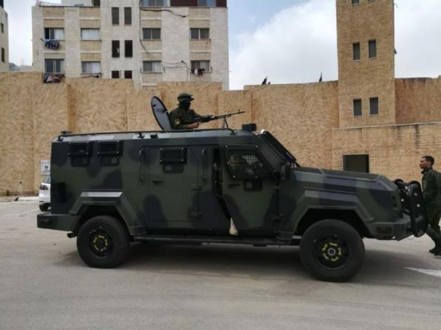وزير إسرائيلي سابق: لهذا السبب سمحنا بإدخال مدرعات للسلطة