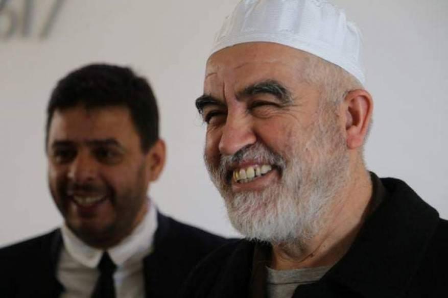 محكمة الاحتلال تمدد القيد الإلكتروني على الشيخ رائد صلاح 3 أشهر