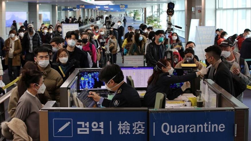 """""""كورونا"""" يصيب الاتصال بين الكوريتين"""