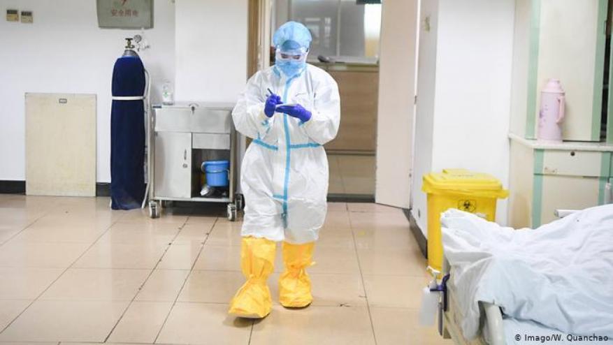 لبناني مصاب بفيروس كورونا يكشف الوضع في مستشفيات فرنسا