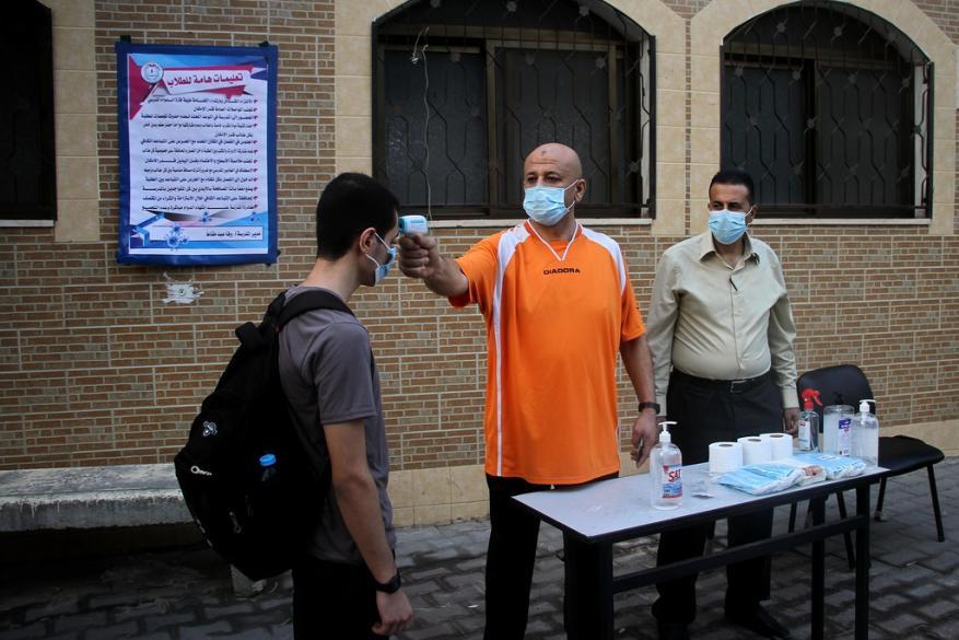"""اتفاق بين التعليم والصحة بغزة على مشاركة بياناتهما بخصوص فحوصات """"كورونا"""""""